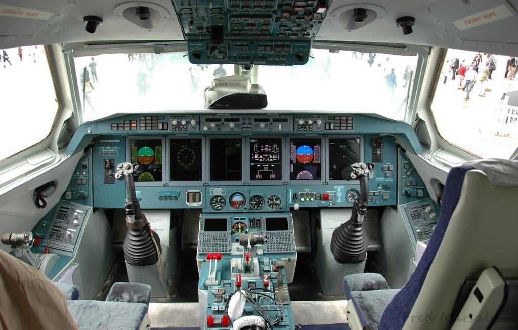 Beriev 200 Bourget cockpit