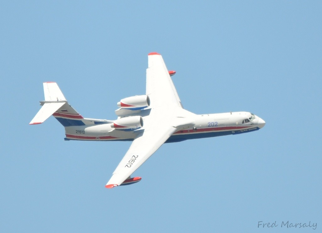 Beriev 200 Bourget fly 1024