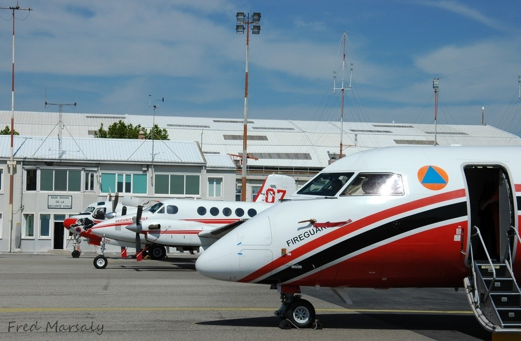 Tracker Be200 et Q400