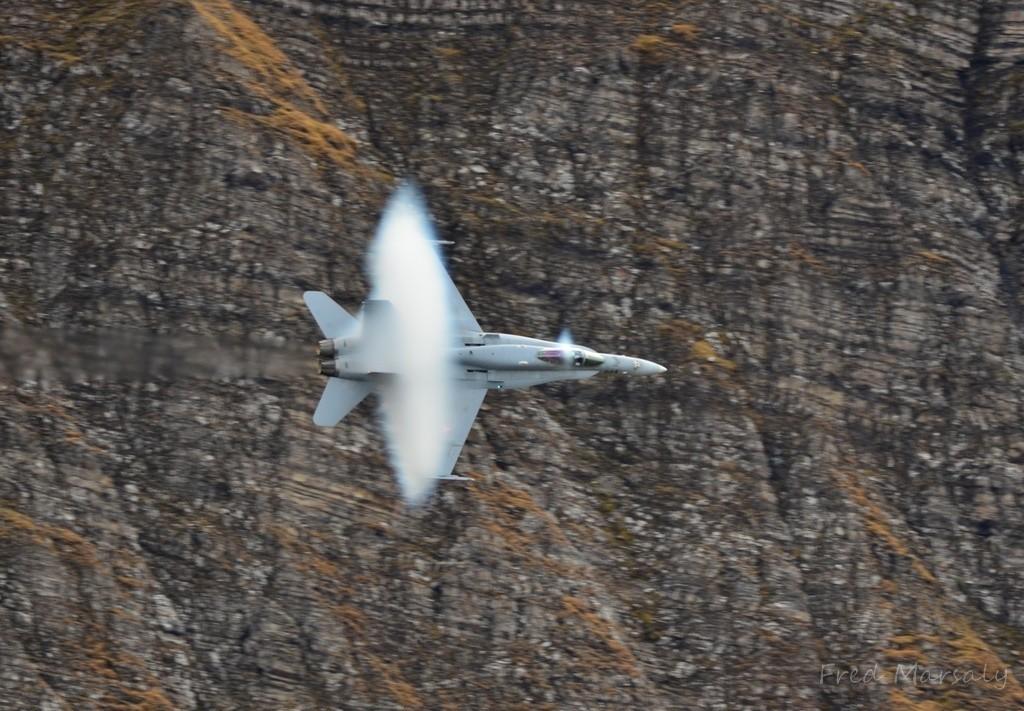 Axalp F-18 passage vortex