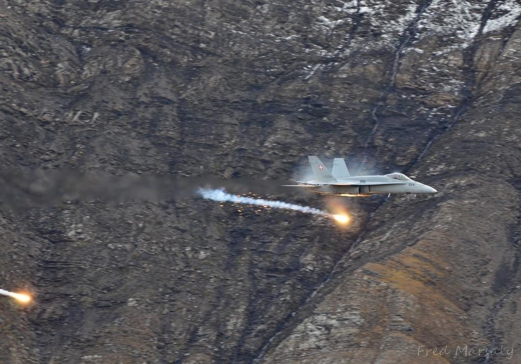 Axalp Passager F-18 leurres