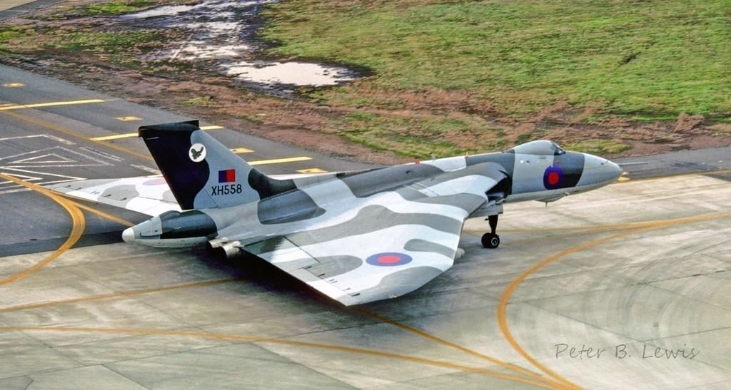 Vulcan B 2MRR, XH558, No. 27 Sqdn, McClellan AFB, 23 Jan 82 (Peter B. Lewis)