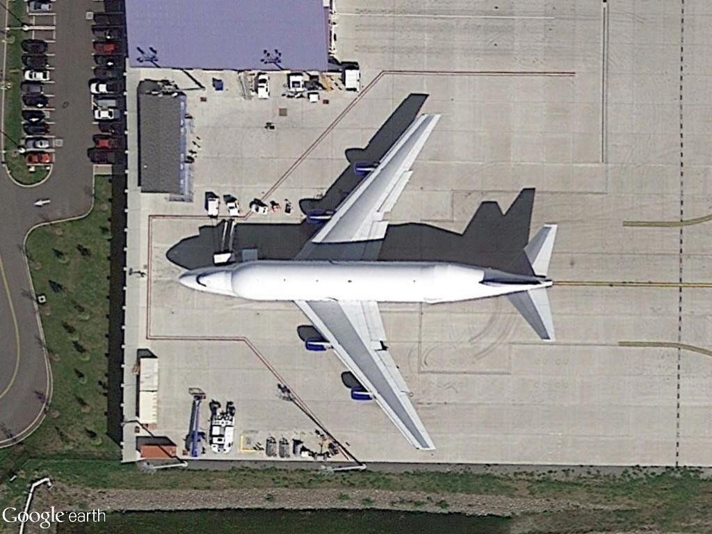 Boeing 747LCF Everett