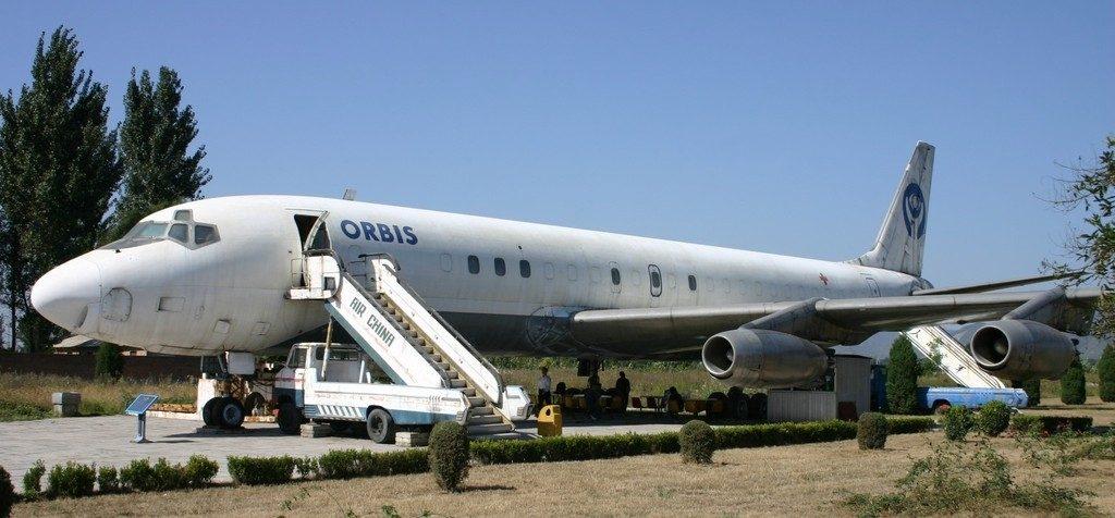 N220RB_Douglas_DC-8_Orbis_(7181096463)
